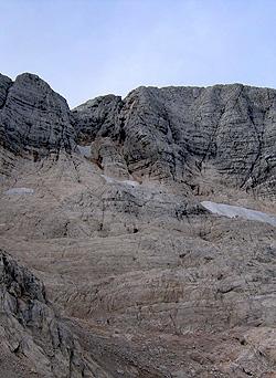 Il versante nord del Canin dove sale la ferrata Julia