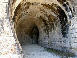 L'interno della galleria semicircolare