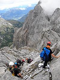 Roccette sulla cima del pilastro del monte Coglians