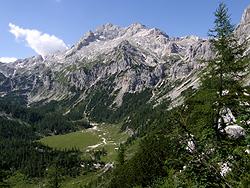 Il versante sud del Tricorno
