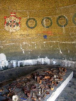 L'interno del Monumento al generale Gonzaga