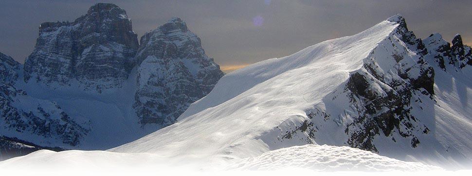 L'aguzza vetta del monte CORVO ALTO dalla forcella Giau