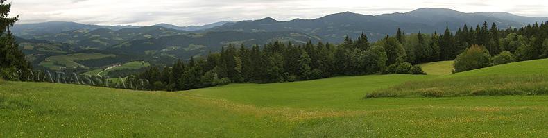 Vista del Pohorje dal Poštarski Dom pod Plešivcem