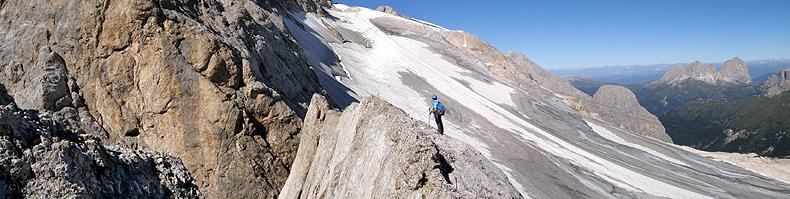 Verso Forcella V, con il ghiacciaio della Marmolada